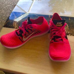 Gorgeous Brand new Nike Free RN Flyknit kicks